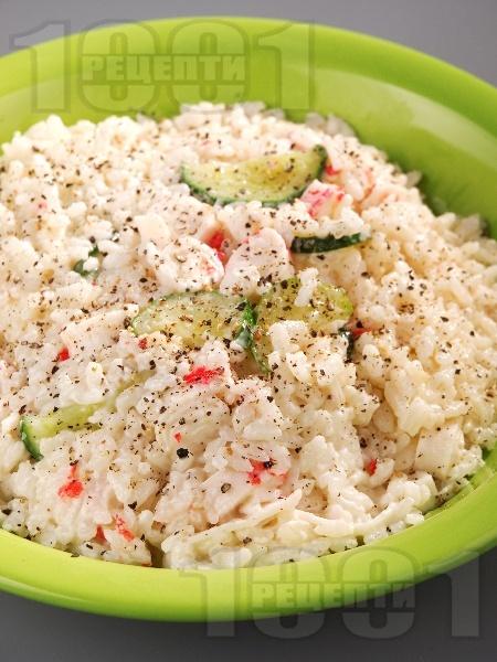 Ориз със сметана и рулца от раци - снимка на рецептата